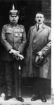 Wie Hitler wider Willen seine ihm zugedachte Rolle erfüllte und sogar
