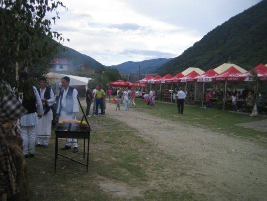gura-raului-folklorefest-in-den-bergen-354903405, 10, 2021
