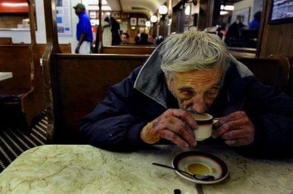 Die Isolation der besonders gefährdeten Alten muss sofort beendet werden!